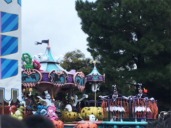 181111_Disneyhalloween_1.jpg